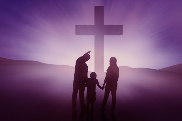 depositphotos_21595211-stock-photo-silhouette-of-christian-family